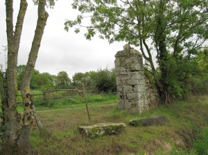 IMG_2948 ruined castle at Palluau